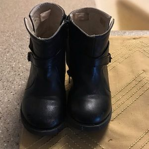 Other - Girls Black leather boots size 7